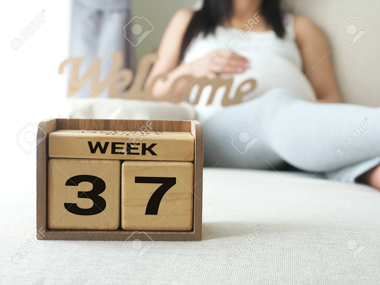 Calendar With Weeks 37 Of Pregnant With Pregnancy Woman Background