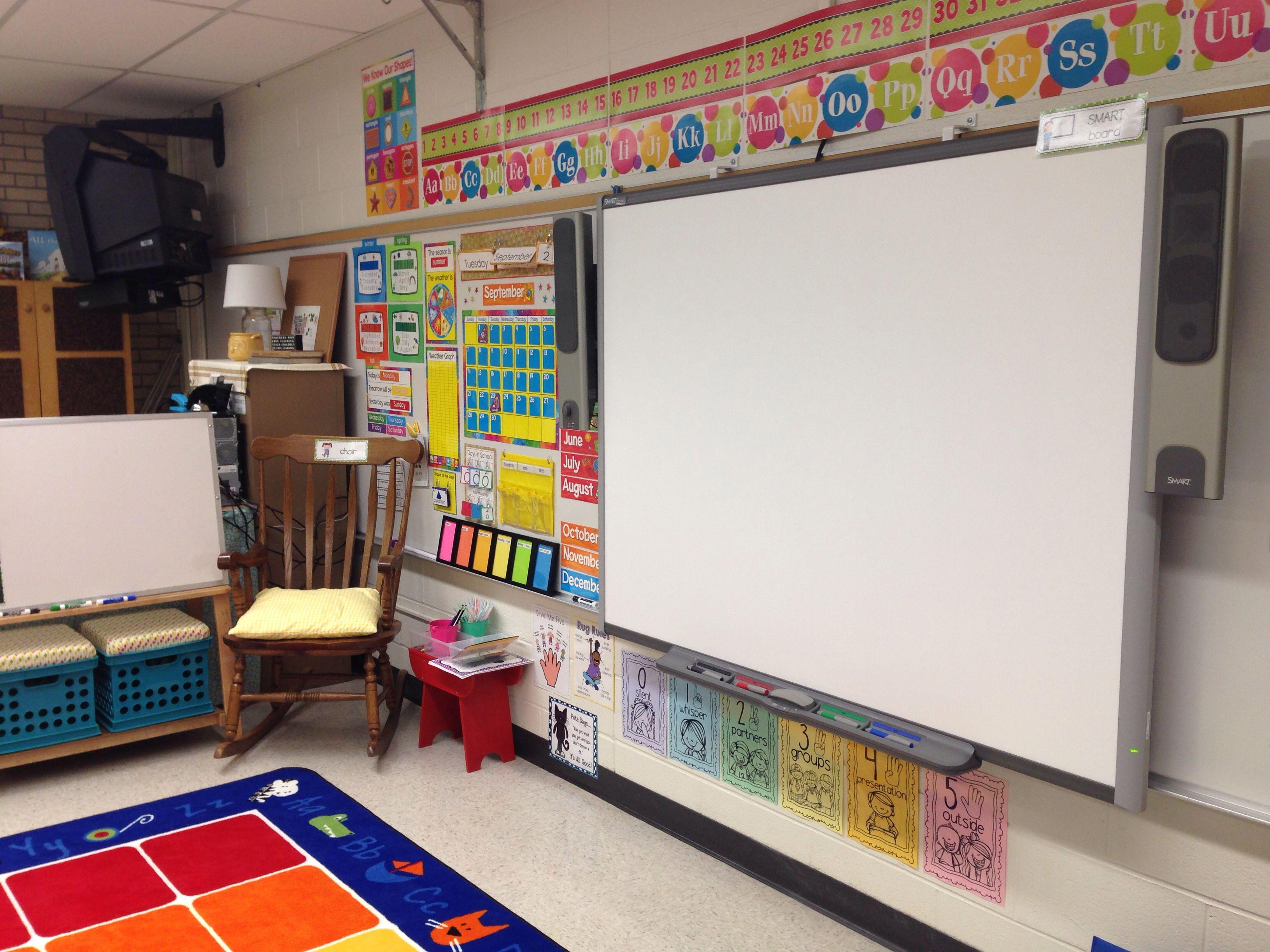 Kindergarten Classroom - Calendar, Smart Board, Etc