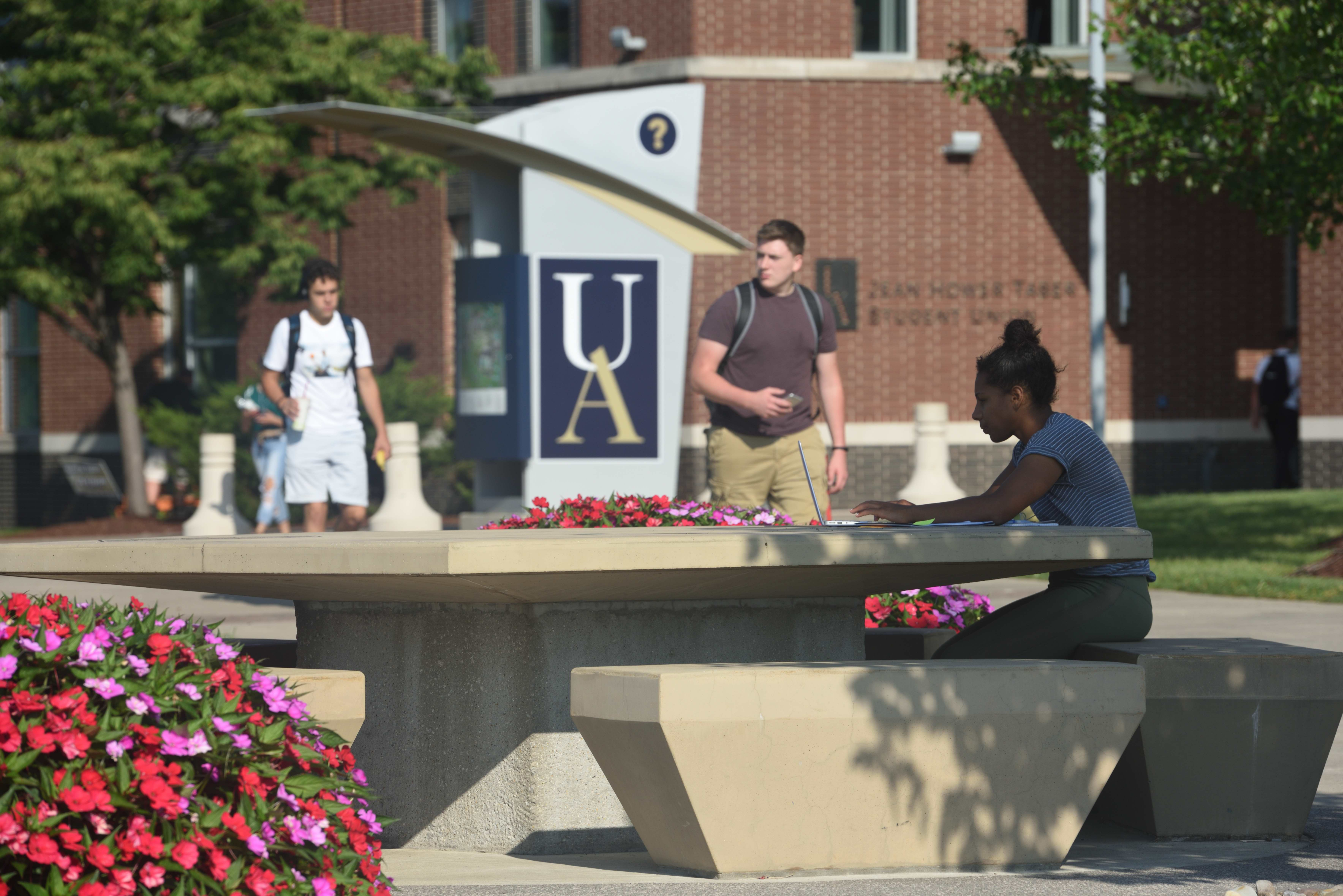 University Of Akron To Start Scheduling Friday Classes Again